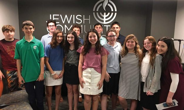 B'nai Tzedek Participants Focus on Philanthropy and Volunteering