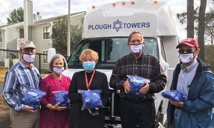 Sam Schloss Lodge #35 Members Donate 100 Covid-19 Relief Kits to Memphis Seniors